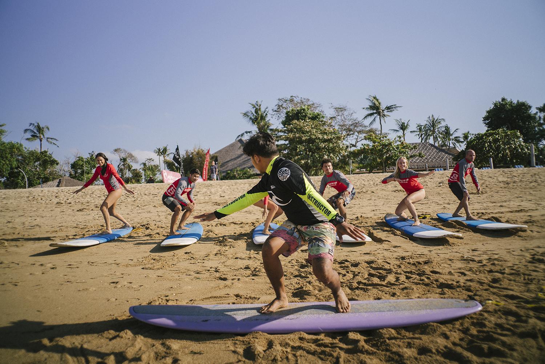 beginner surf spot bali