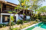 accommodation surf camp in sanur