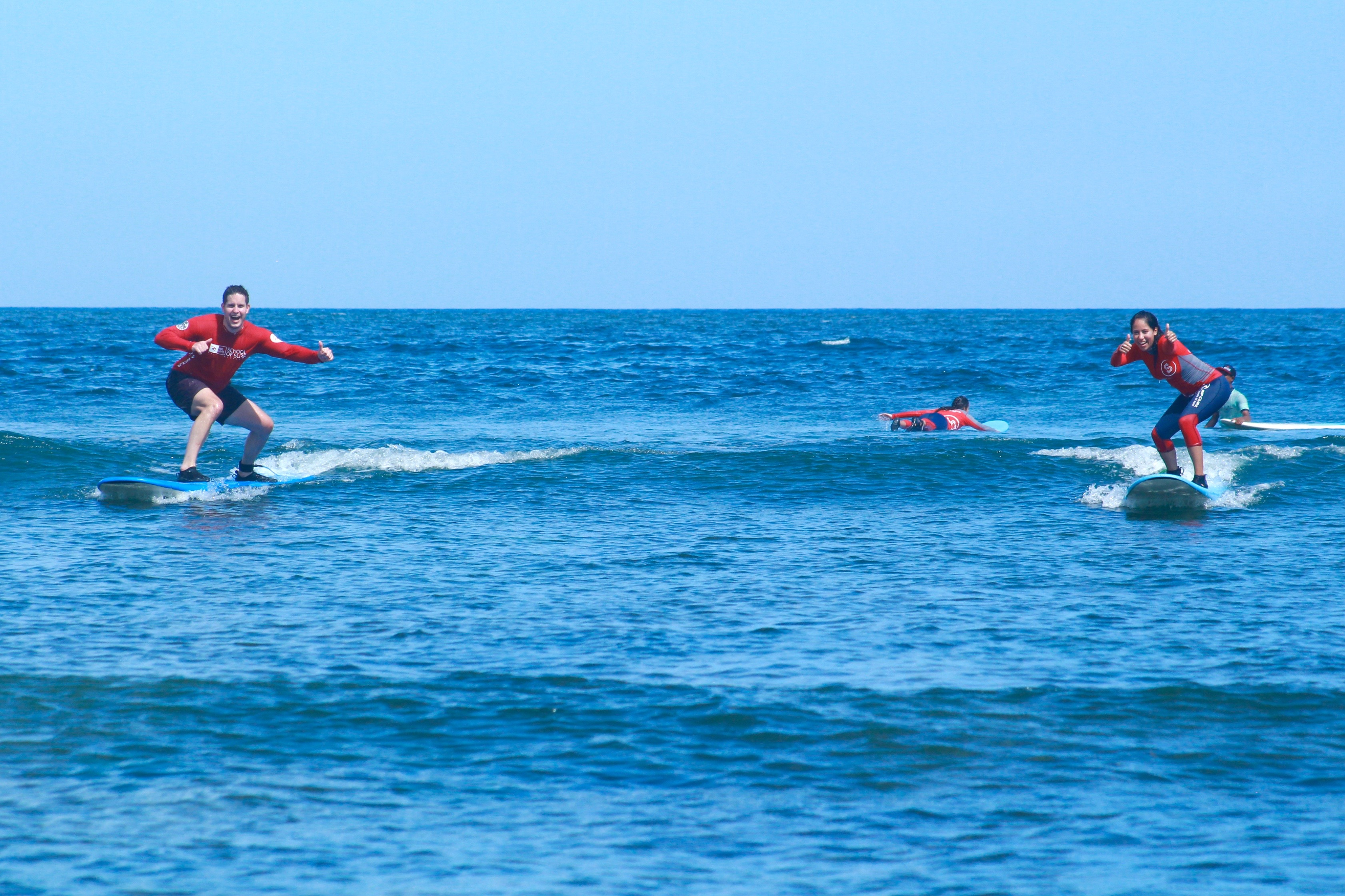 beginner surf lesson in sanur